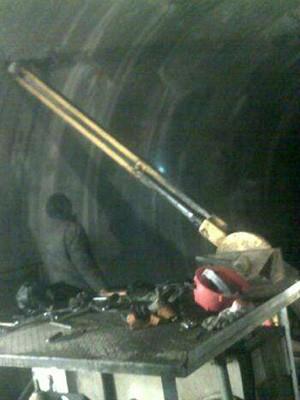 国家能源投资集团使用CMS1全方位液压履带钻车
